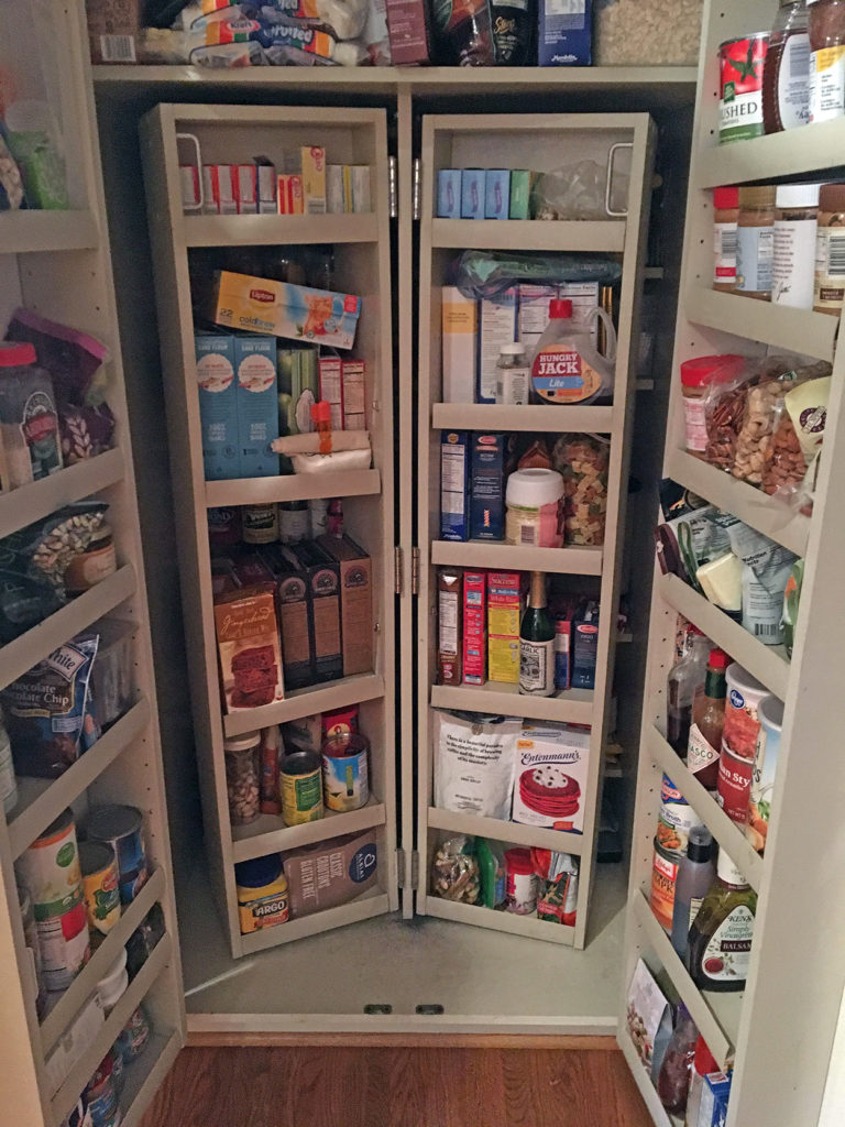 "my ""new"" organized pantry"