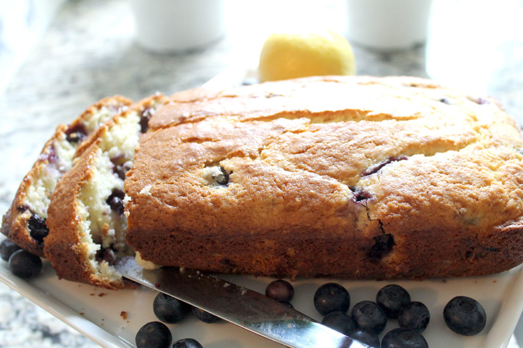 lemon blueberry breakfast bread | polka dots and picket fences