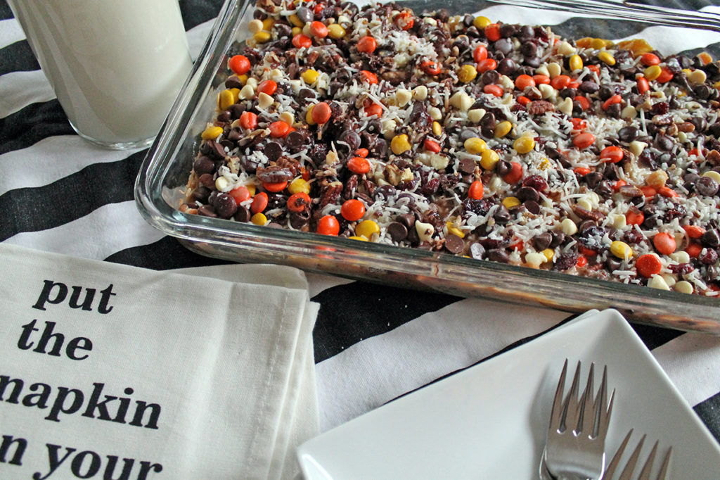 reese's pieces magic bars | polka dots and picket fences