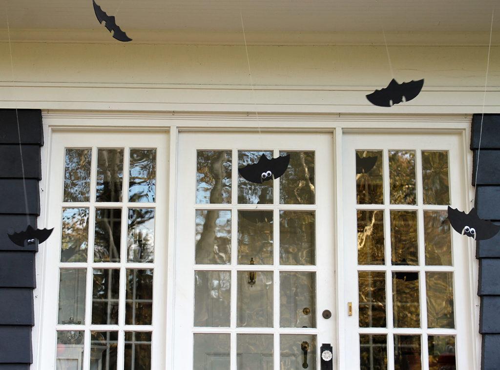 halloween front door decor | polka dots and picket fences