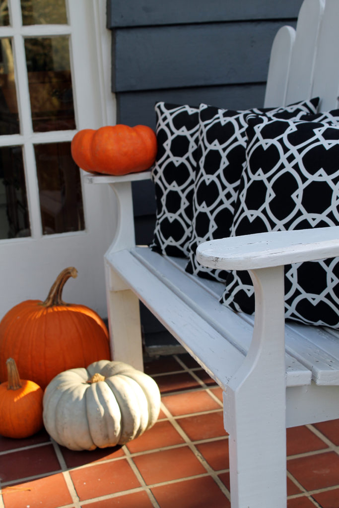 halloween front porch decor | polka dots and picket fences