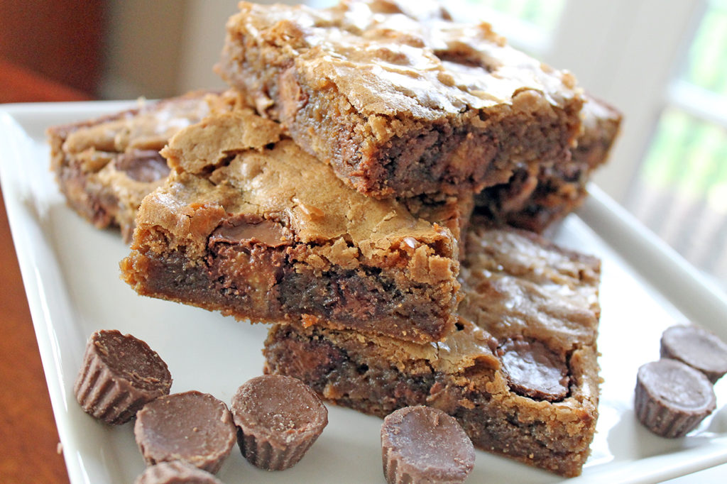 peanut butter blondies | polka dots and picket fences