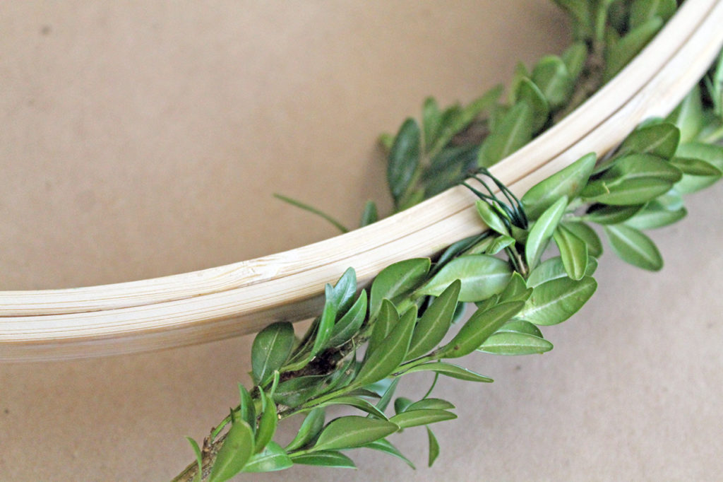 boxwood wreath DIY | polka dots and picket fences