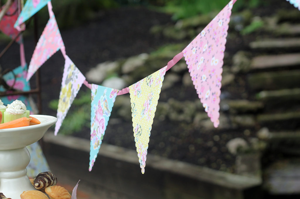 tea party time | polka dots and picket fences