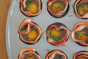 baked egg and bacon cups