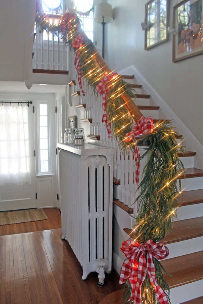 my christmas stairs | polka dots and picket fences